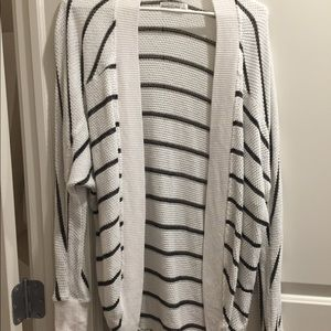 Abercrombie & Fitch Sweaters - Abercrombie small cardigan